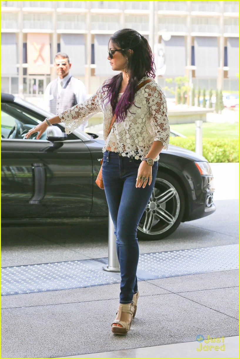 vanessa hudgens century city mom 02