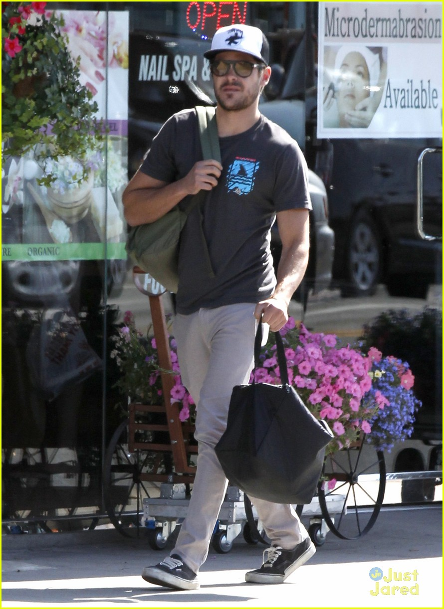 zac efron zen foods pickup 05