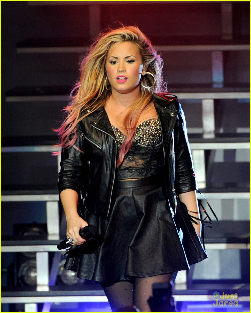 demi lovato greek la concert 28