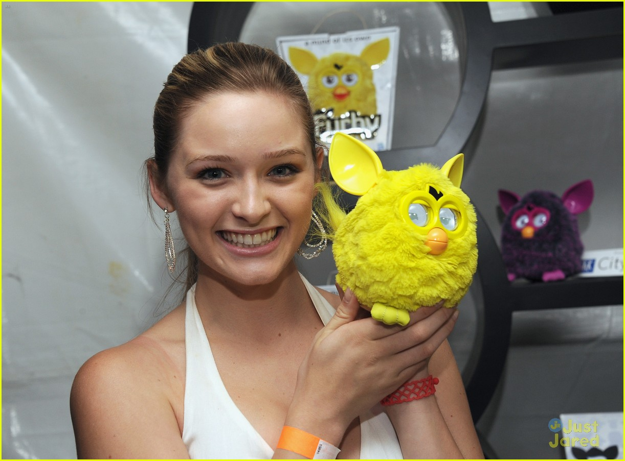 greer grammer tca lounge 04