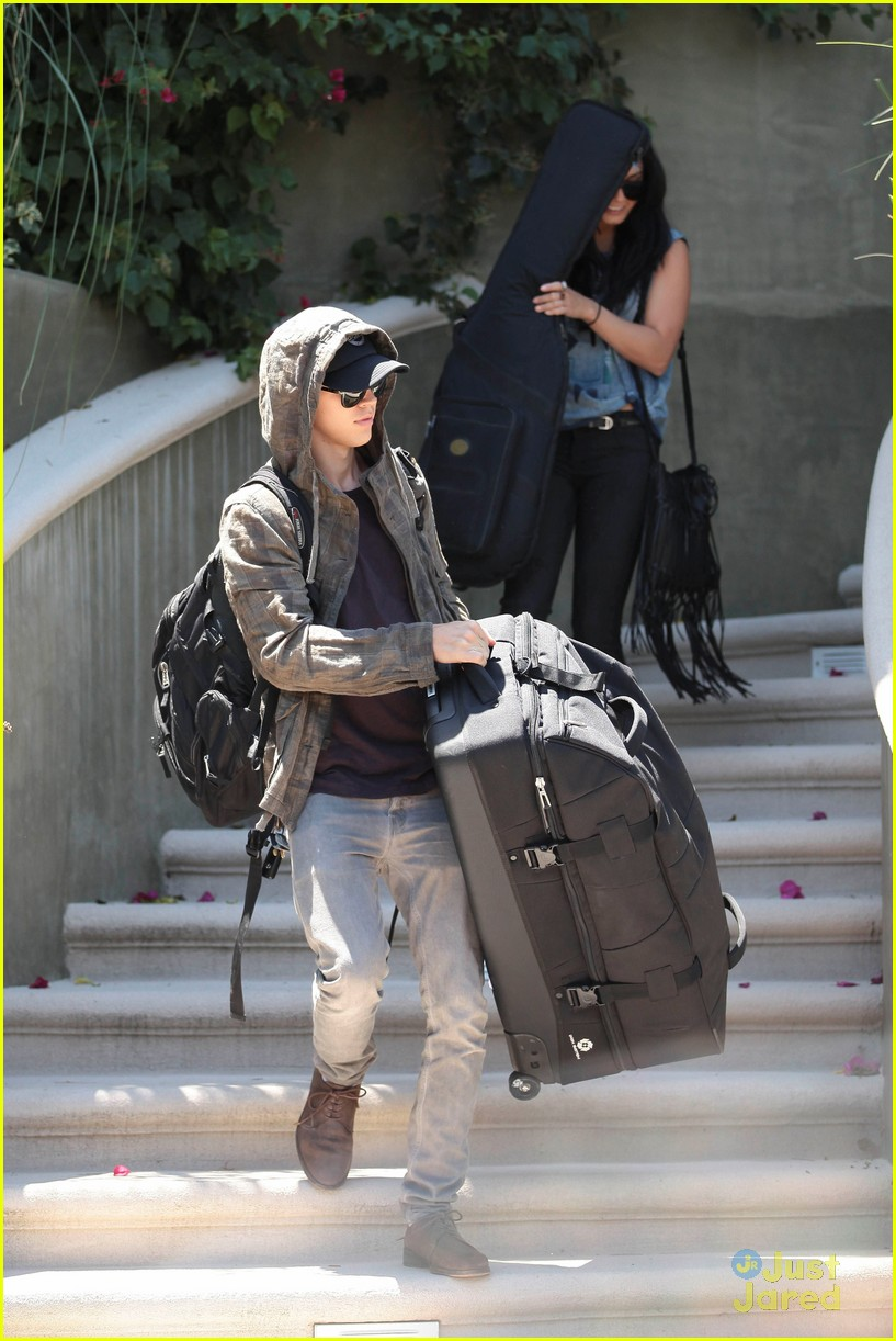 hudgens packing car 07