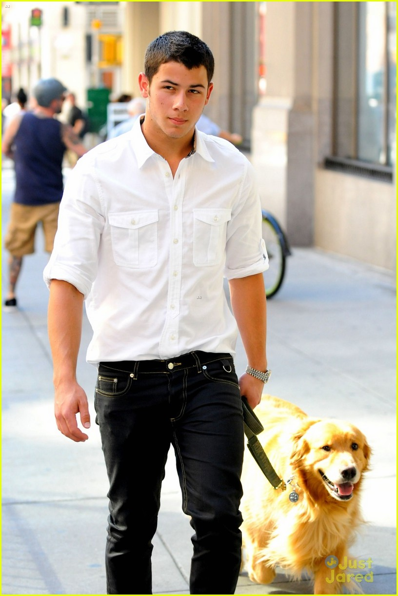 jonas dog walker 03