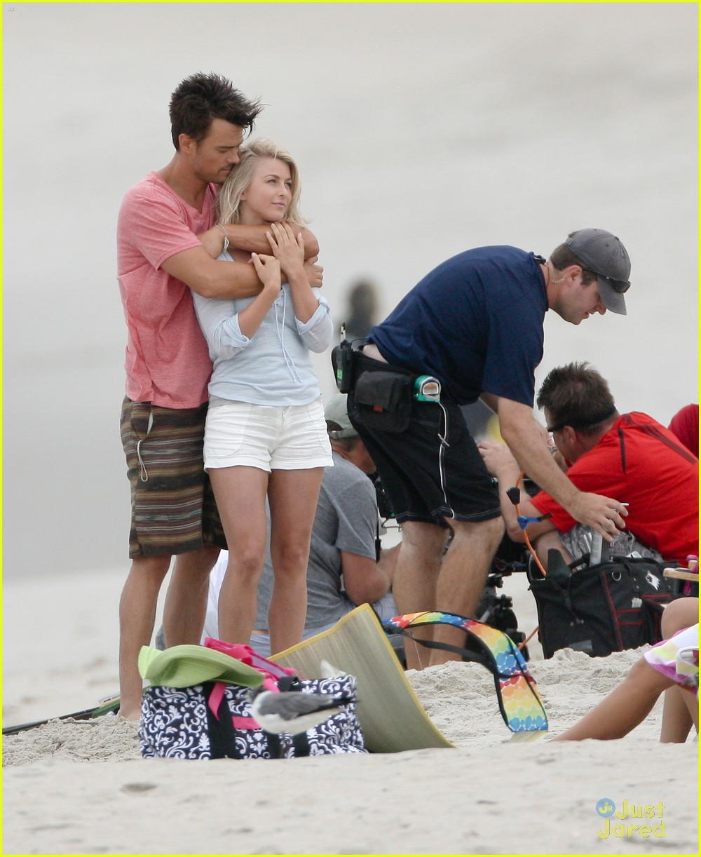 julianne hough safe beach 02