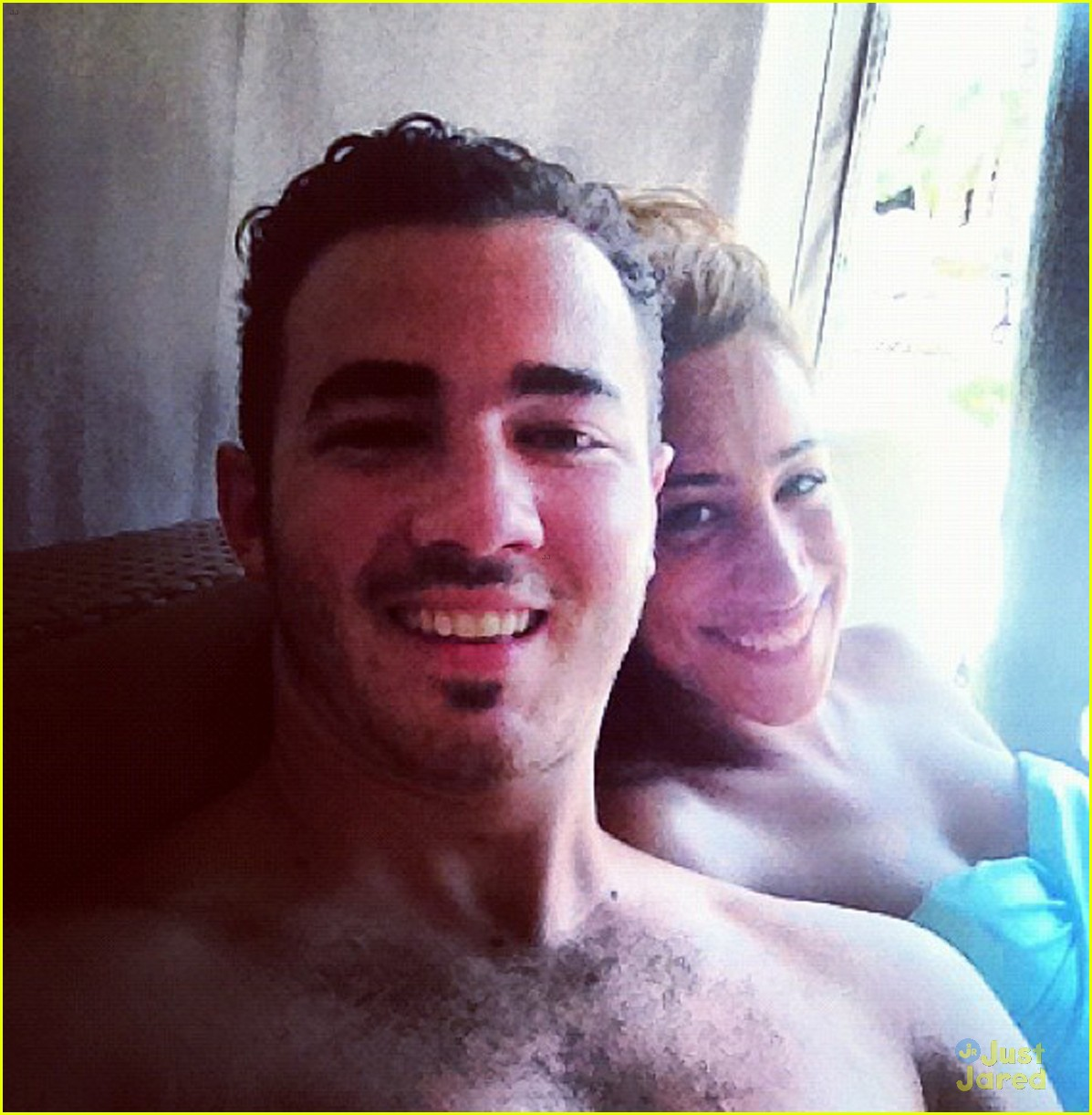 jonas shirtless 01