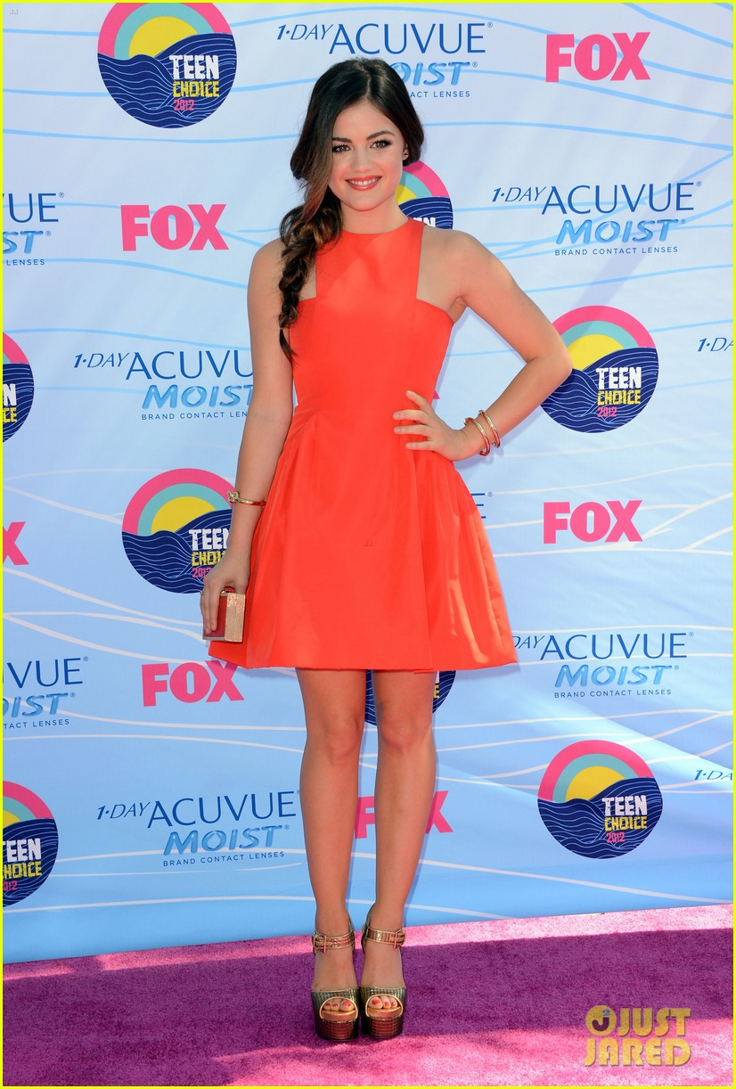 lucy hale teen choice awards 2012 02