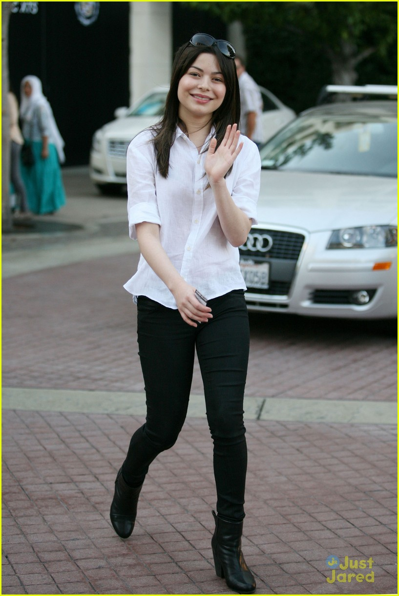 miranda cosgrove grove fans 05