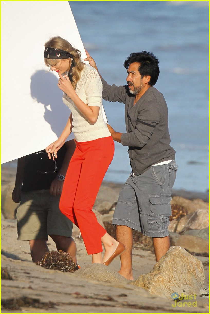 taylor swift beach shoot 14