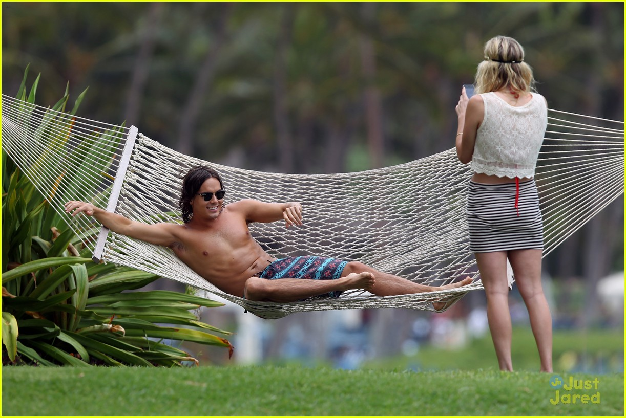 tyler blackburn hawaii vacation 04