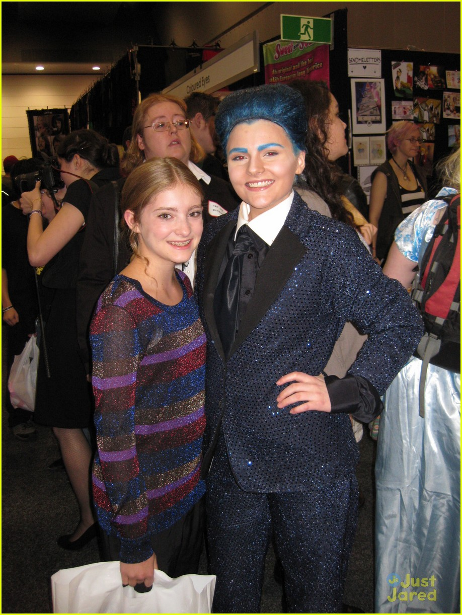 willow shields oz comic con 07