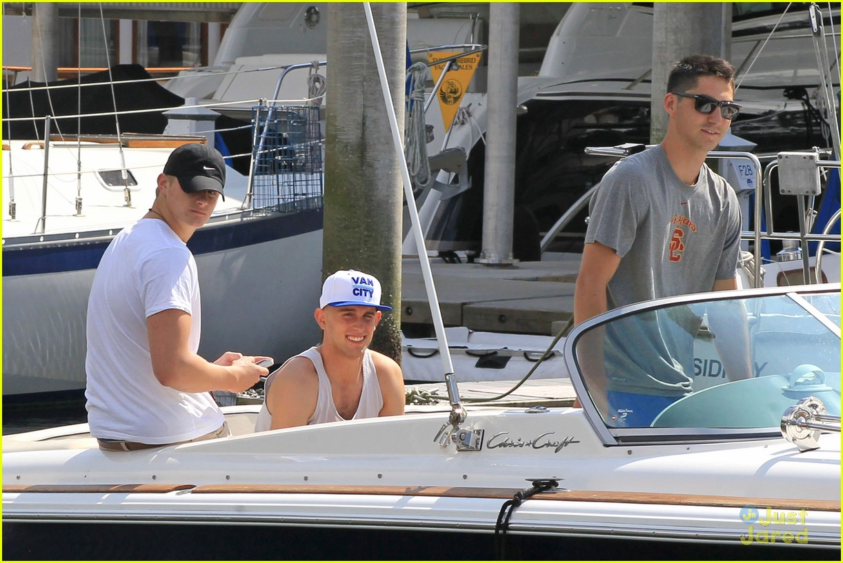 alexander ludwig boat trip 01