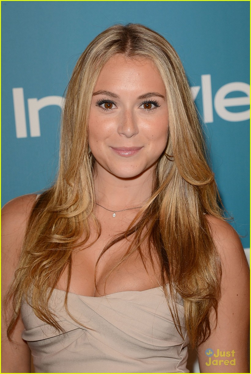 alexa vega imagen awards winner 01