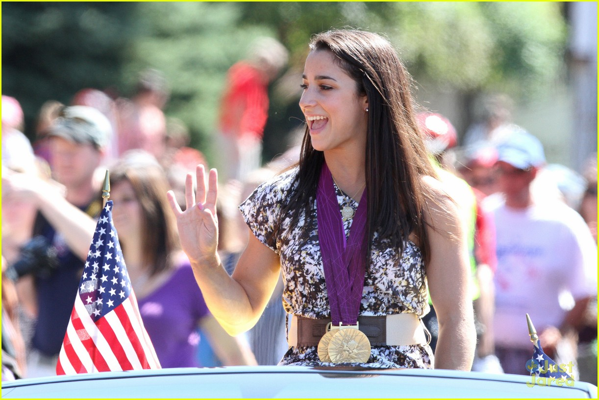 aly raisman homecoming parade 05