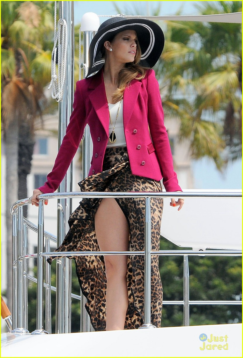 annalynne mccord big hat 05