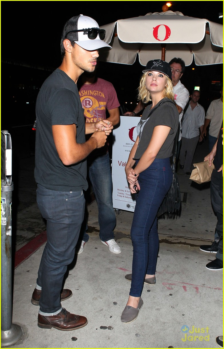 ashley benson taylor lautner red o 13