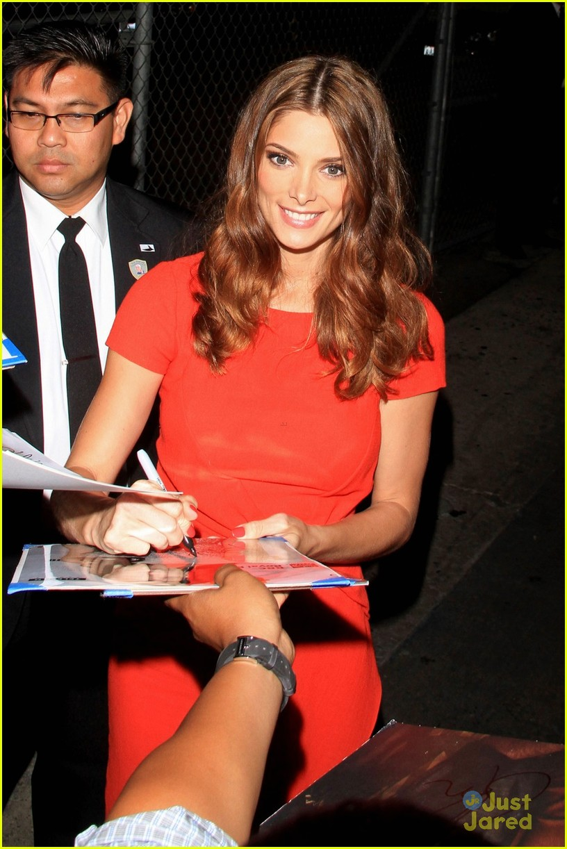 ashley greene kimmel arrival 01