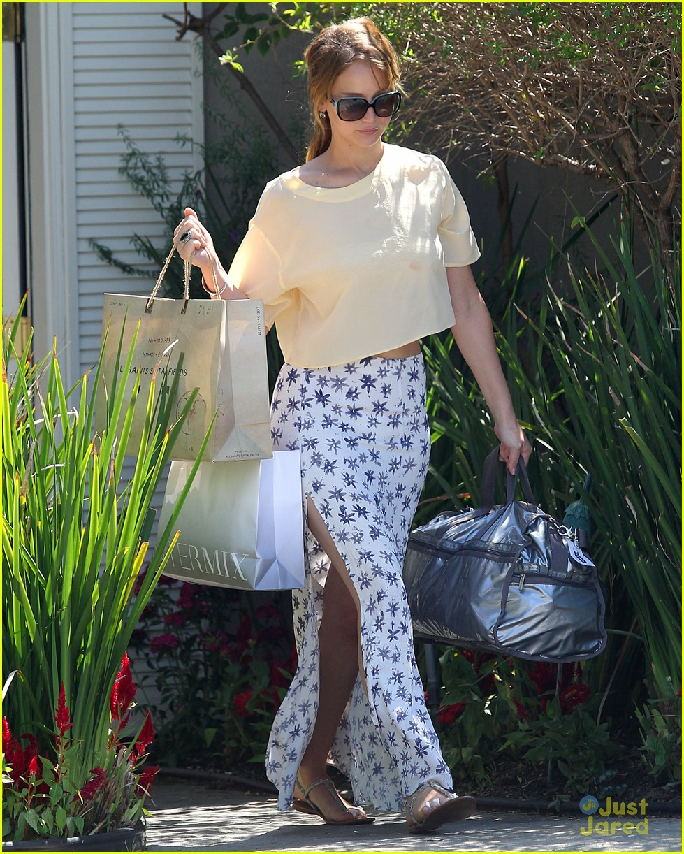 jennifer lawrence brentwood party 05