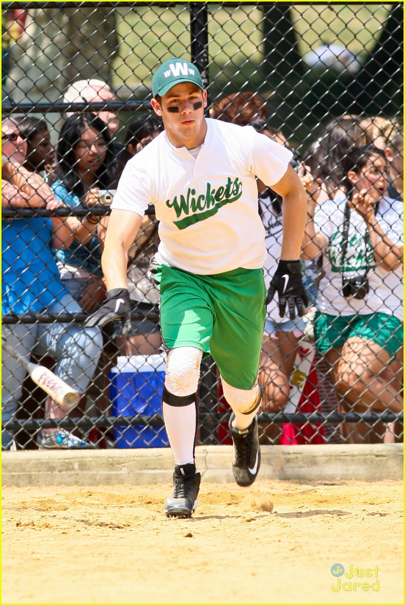 nick jonas wickets game 10