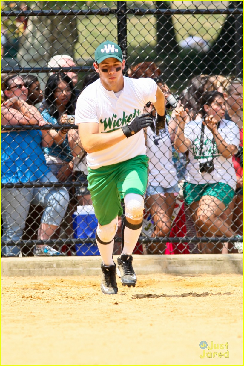 nick jonas wickets game 11
