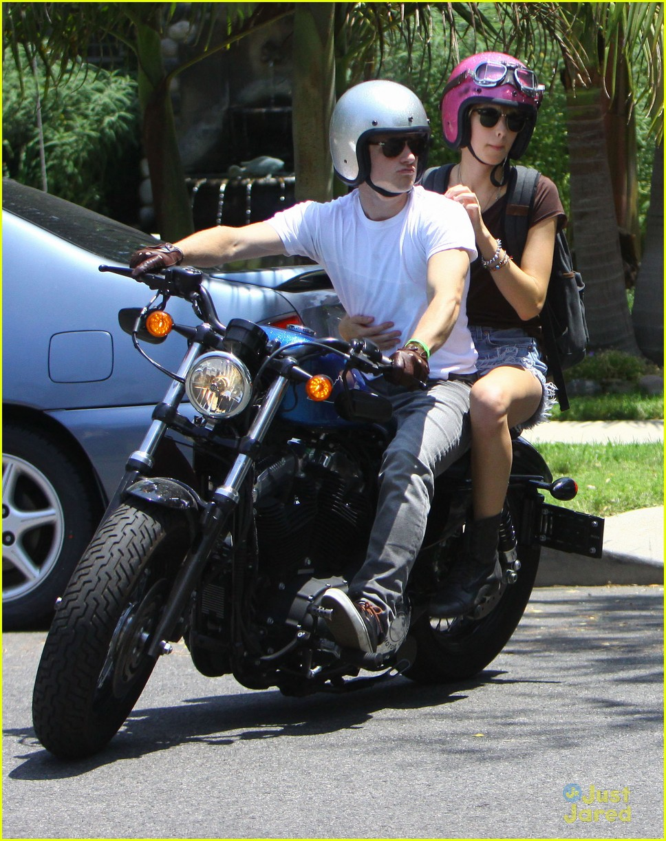 josh hutcherson motorcycle movies 04