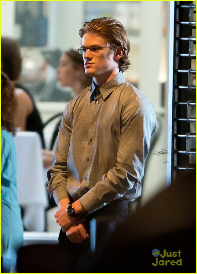 liam hemsworth lucas till paranoia 02