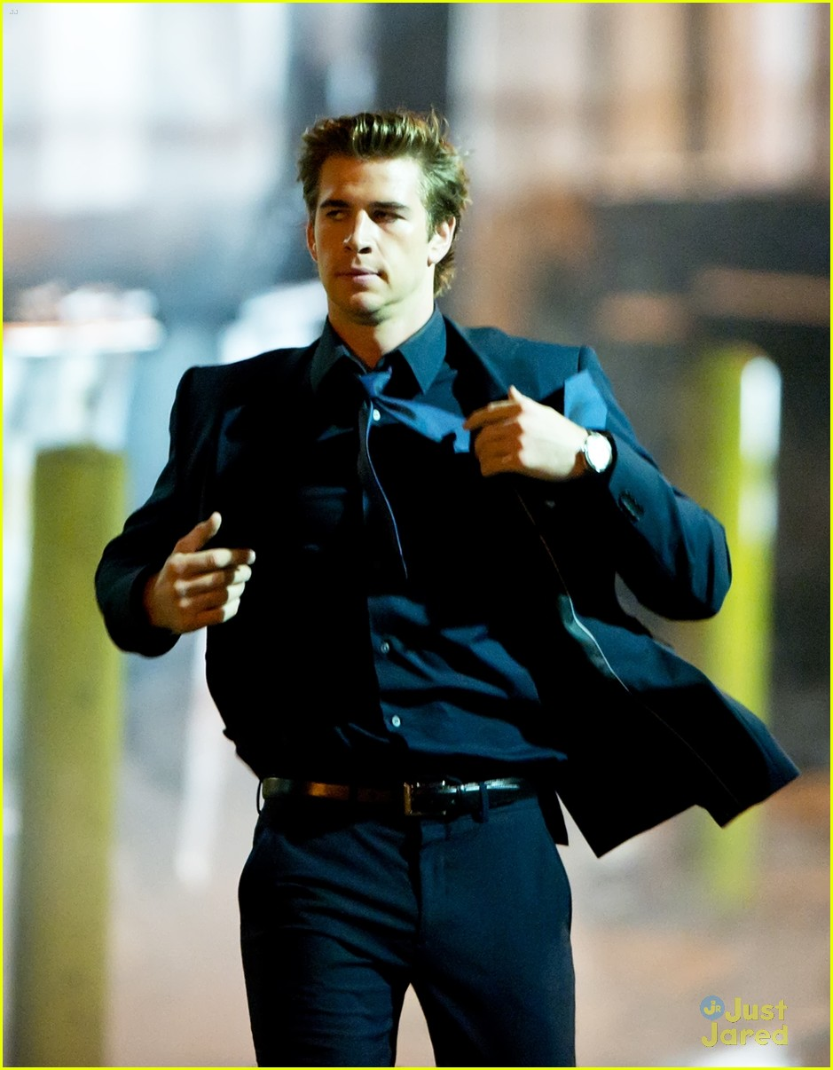 liam hemsworth run paranoia 10