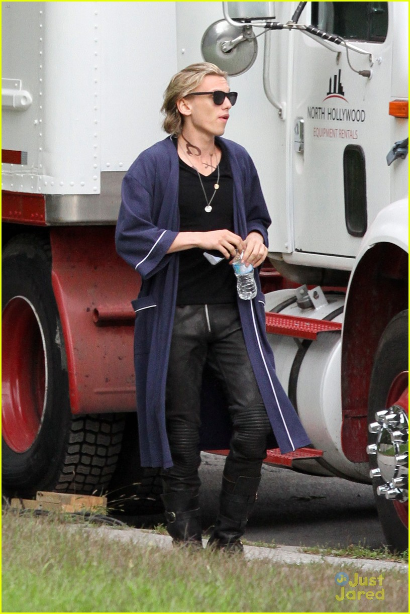 lily collins jamie bower city bones set 03