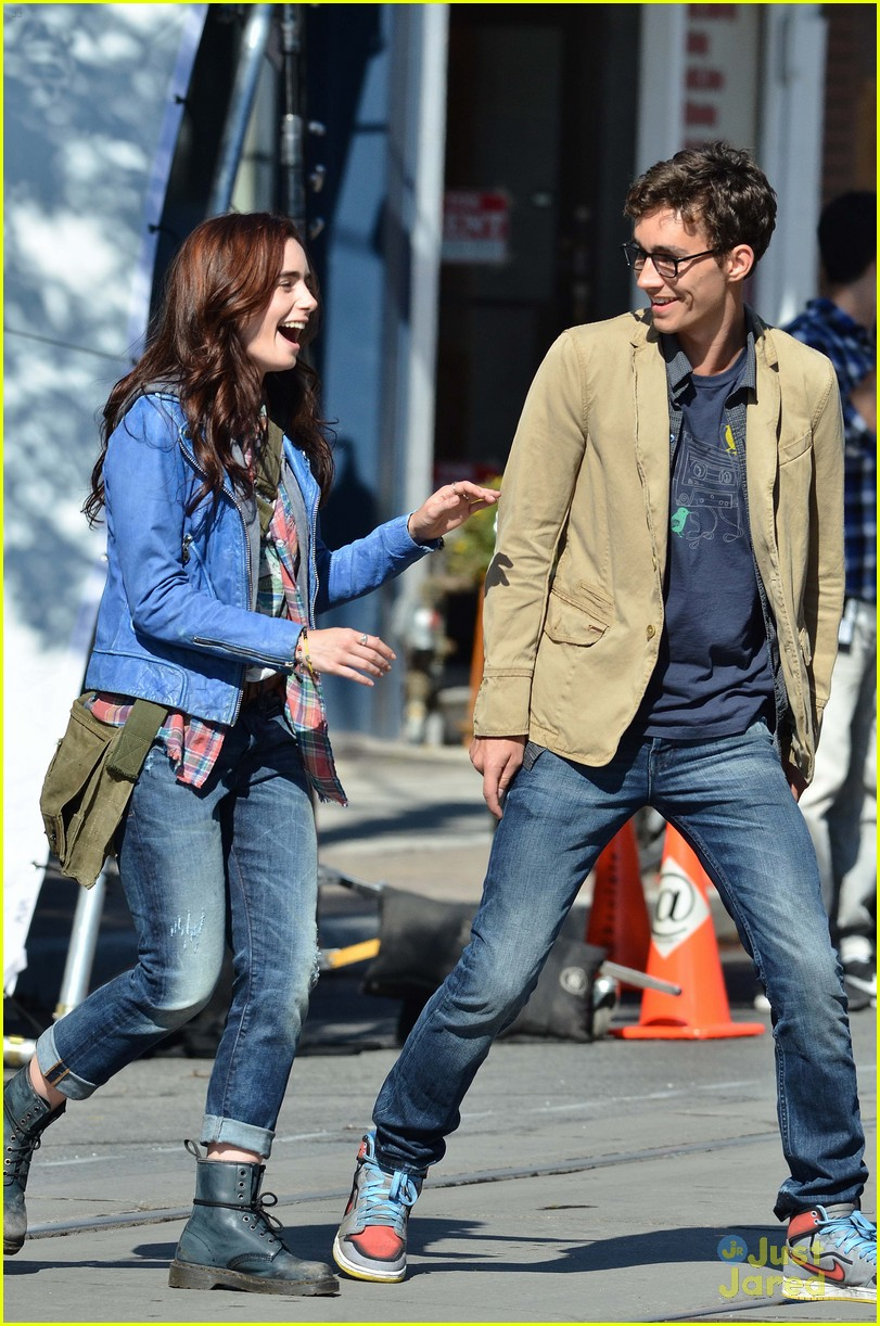 lily collins robert sheehan city bones 02