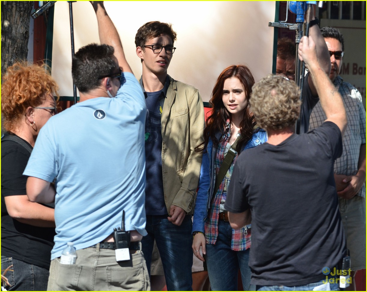 lily collins robert sheehan city bones 05
