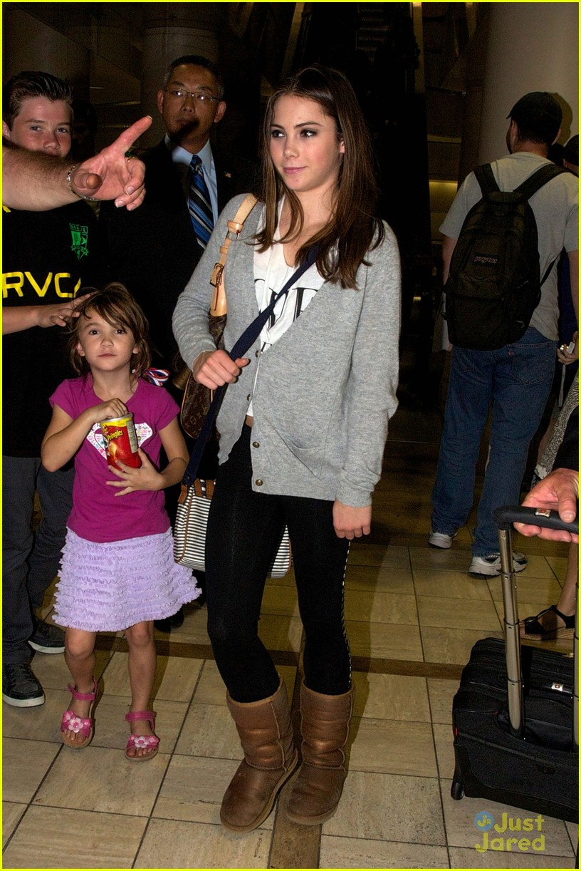 mckayla maroney homecoming visit 06