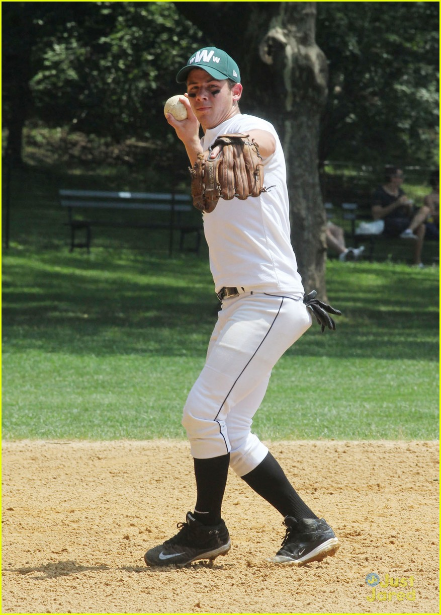 nick jonas wickets softball 09