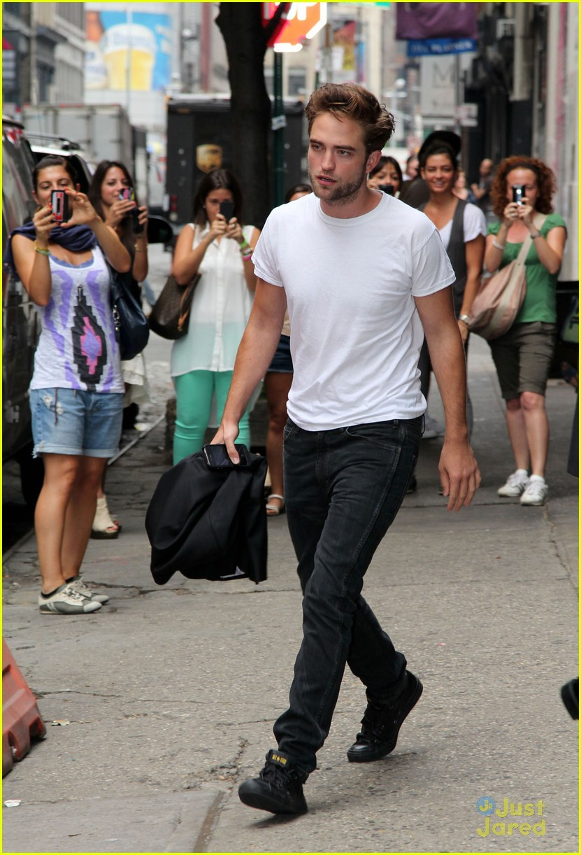 robert pattinson meet soho 01