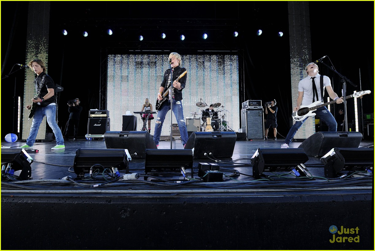 ross lynch r5 toronto 04