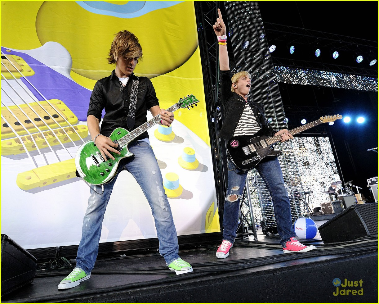 ross lynch r5 toronto 12