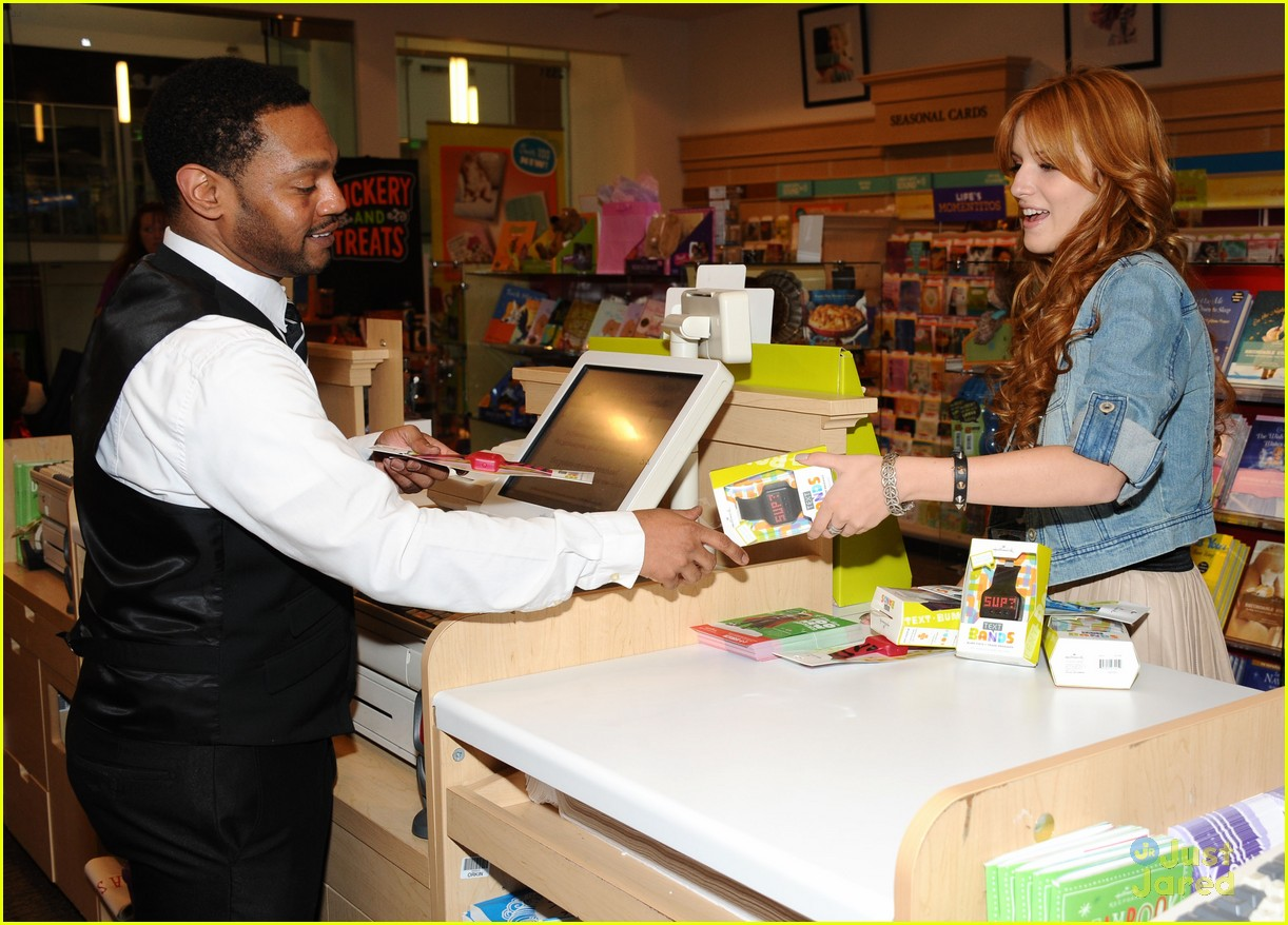 bella thorne hallmark store 05