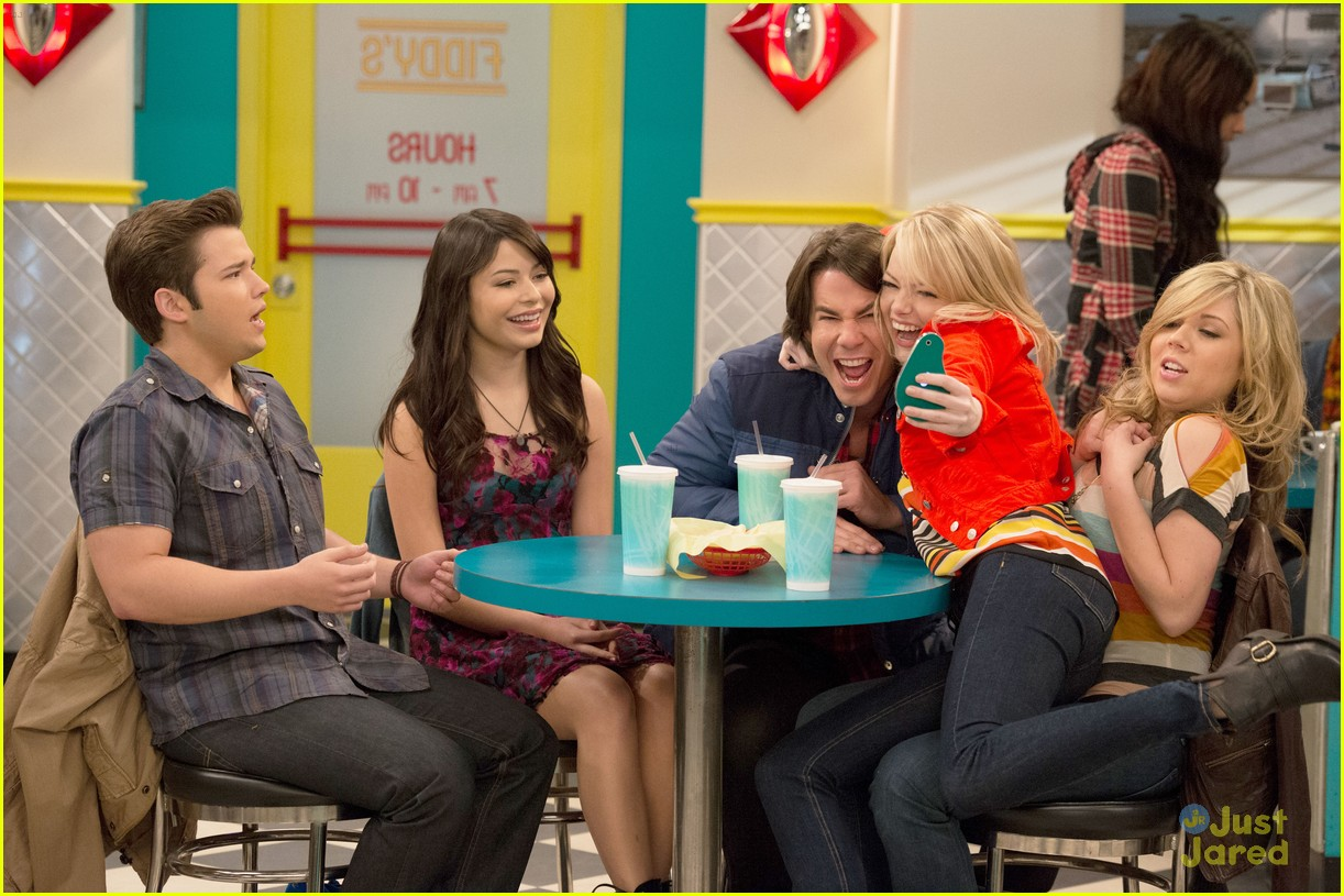 emma stone icarly first look 05
