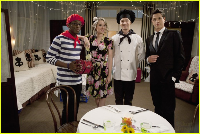 good luck charlie halloween 16