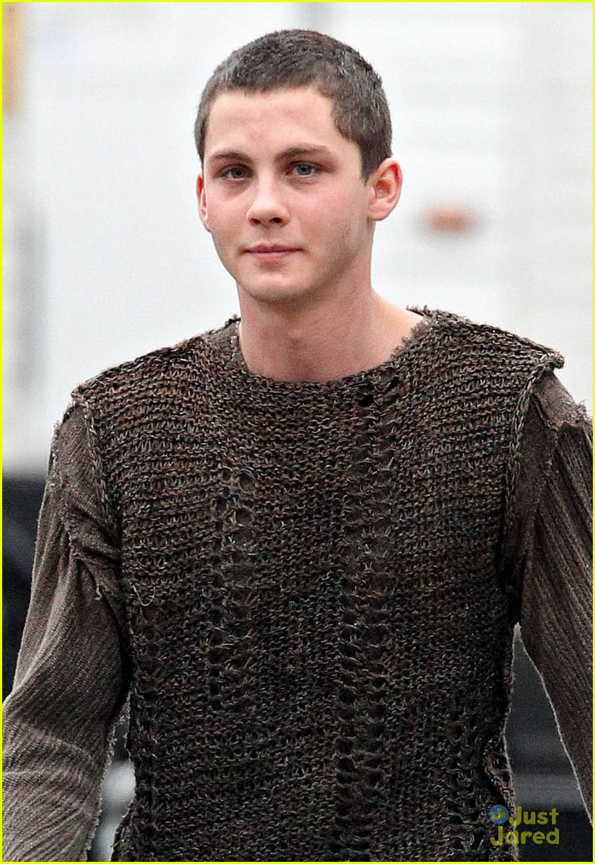 logan lerman into bluff 04