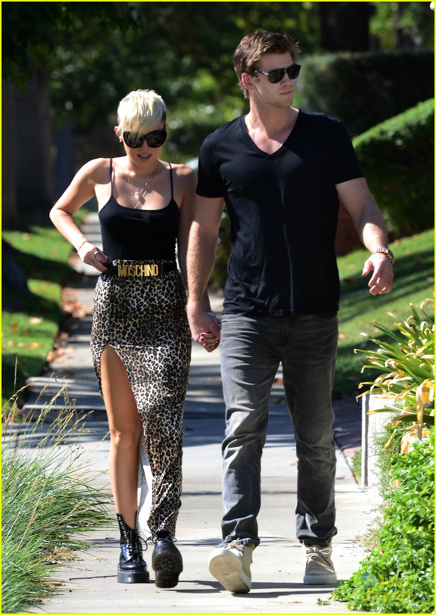 miley cyrus liam hemsworth injured 03