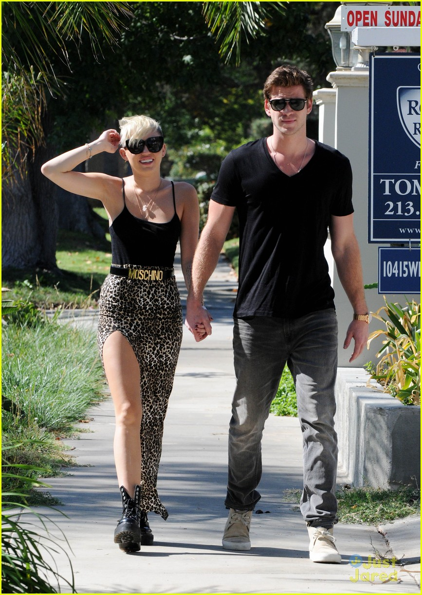 miley cyrus liam hemsworth injured 05