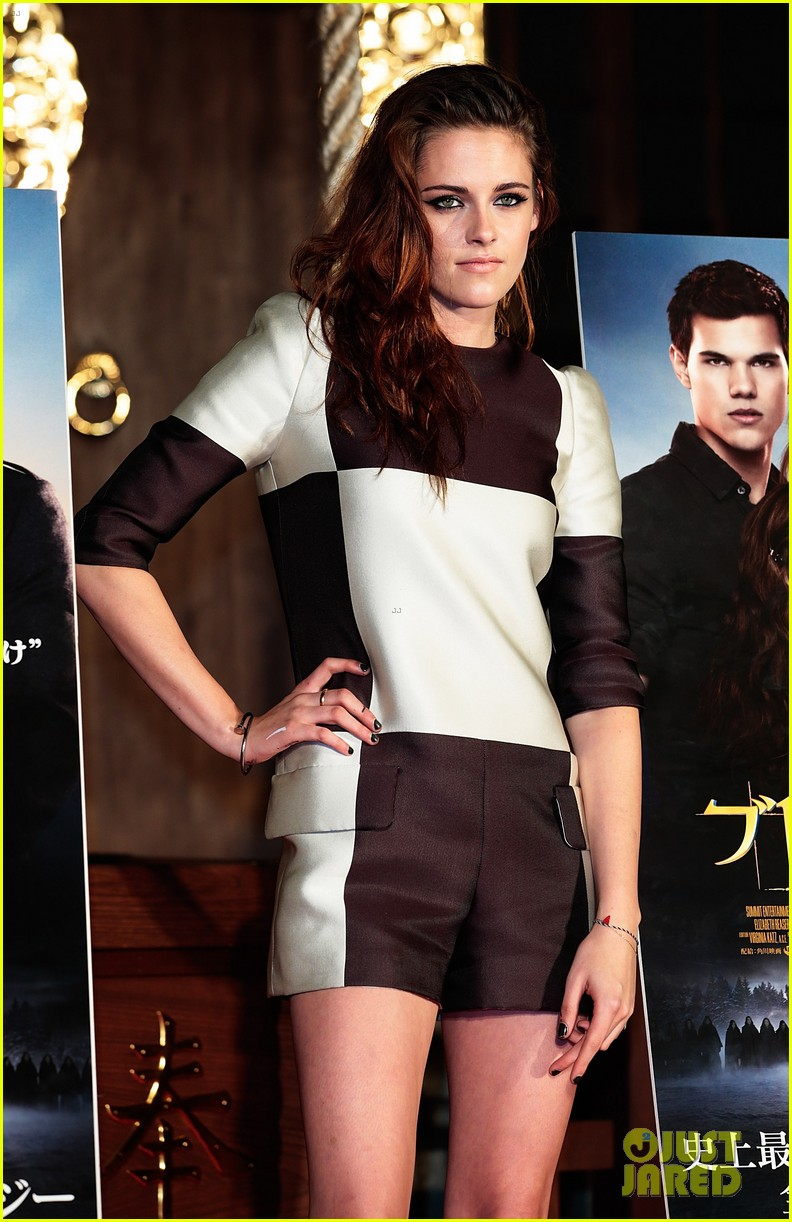 kristen stewart breaking dawn part 2 tokyo photo call 09