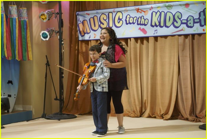austin ally parents stills 02