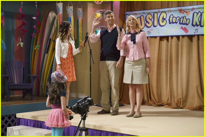 austin ally parents stills 05