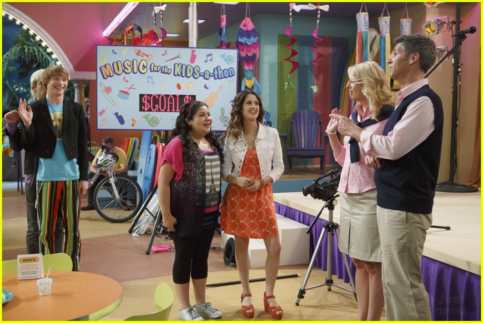 austin ally parents stills 07