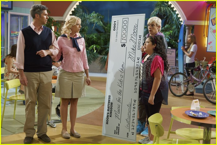 austin ally parents stills 09