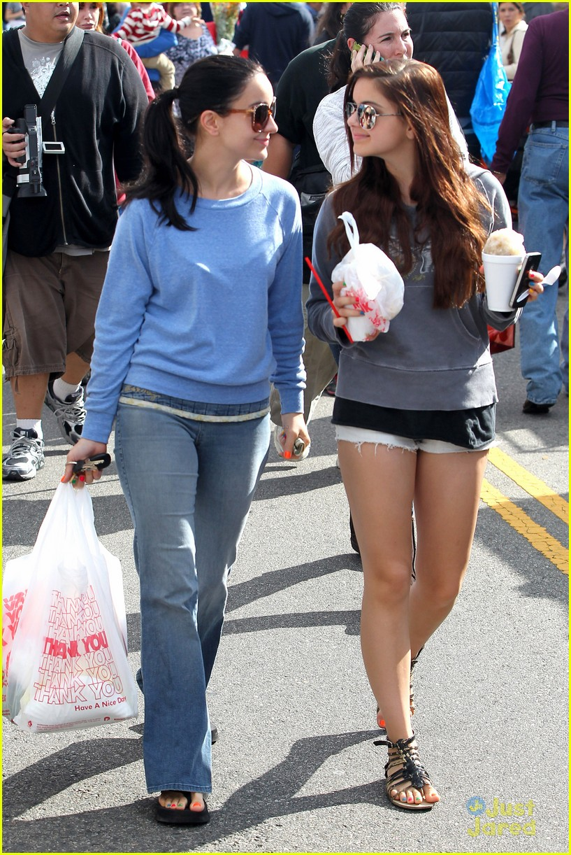 ariel winter farmers market 08