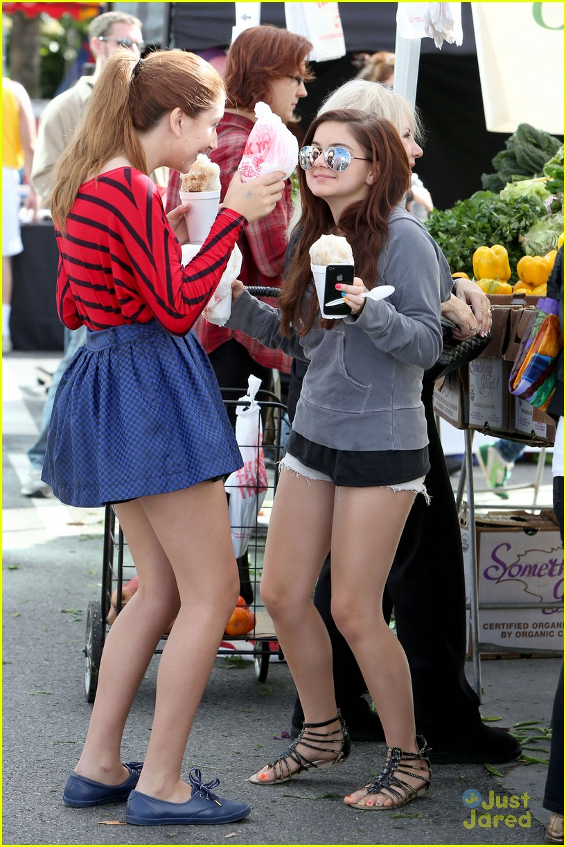 ariel winter farmers market 12