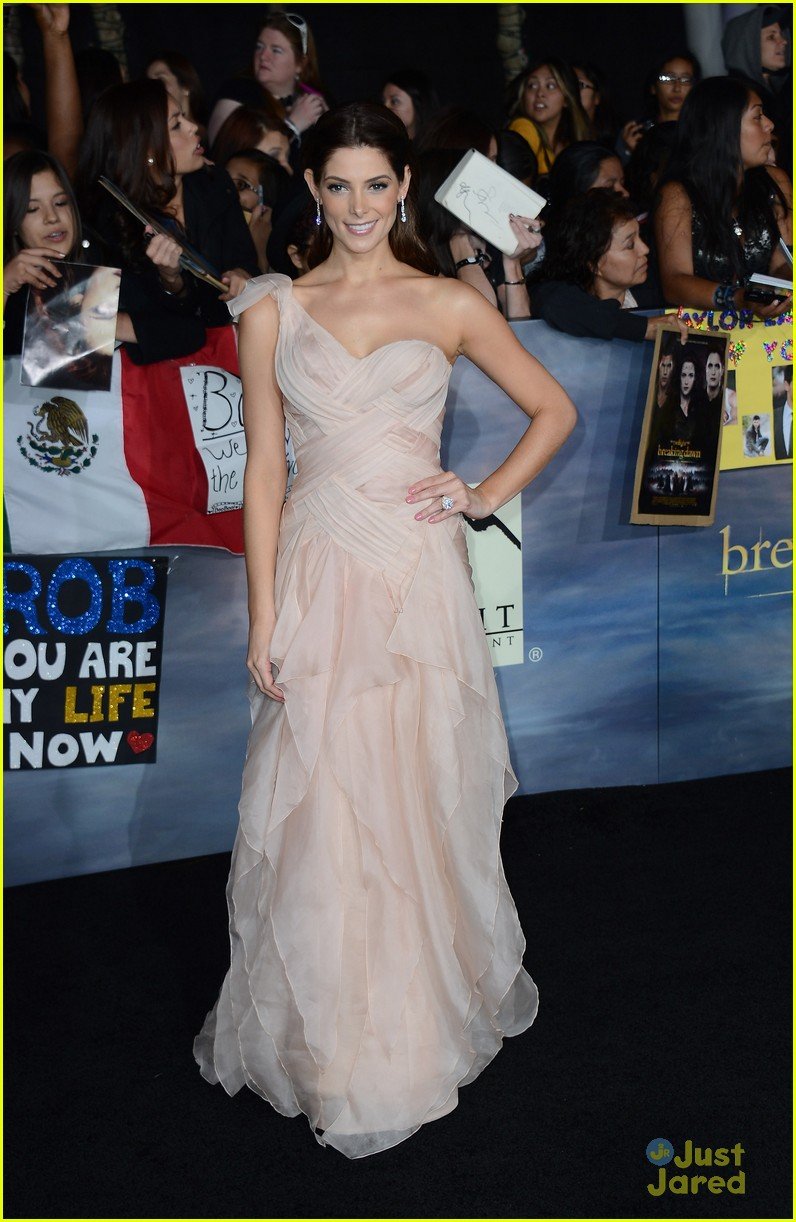 twilight breaking dawn best dressed poll 01