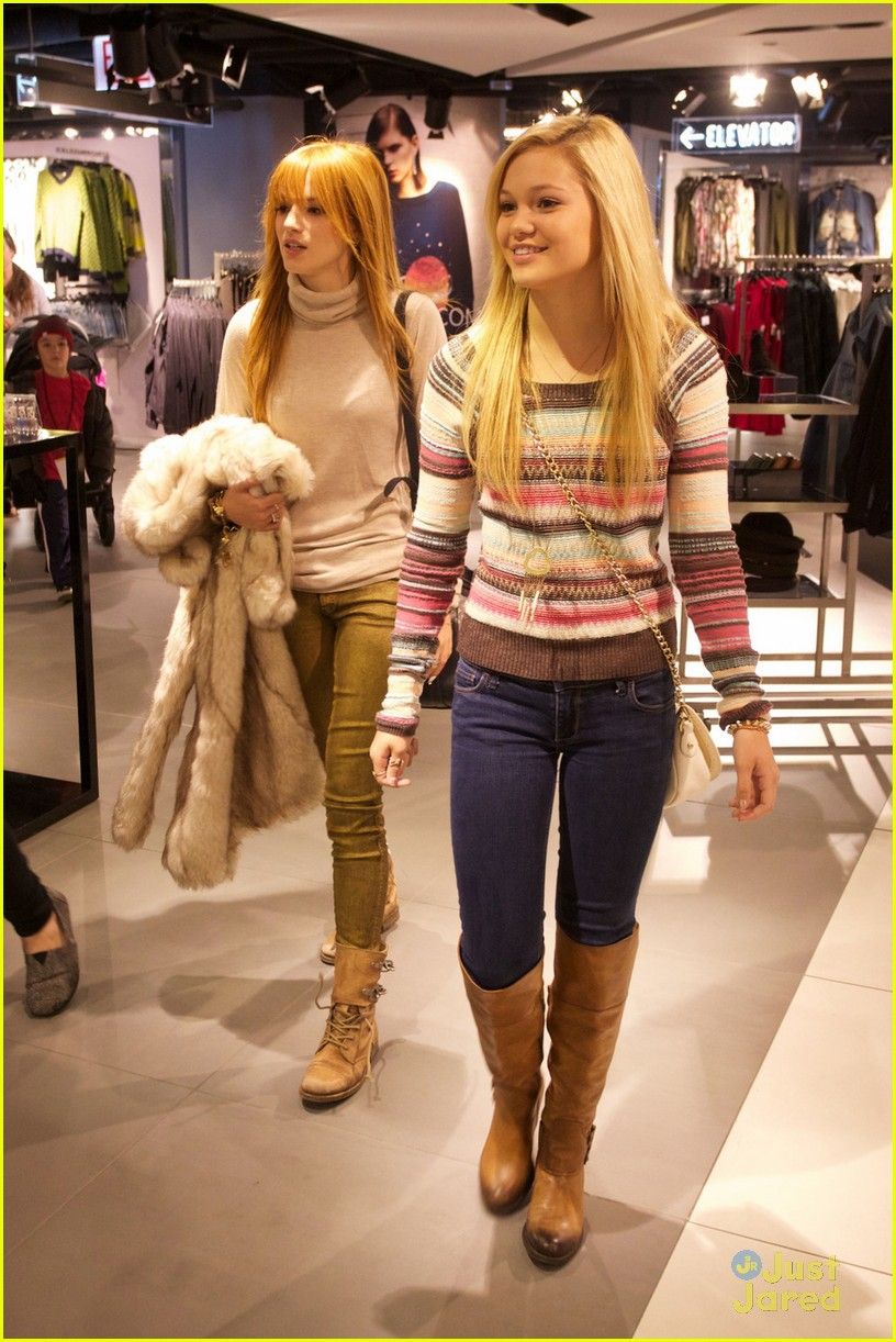 bella thorne olivia holt top shoppers 06