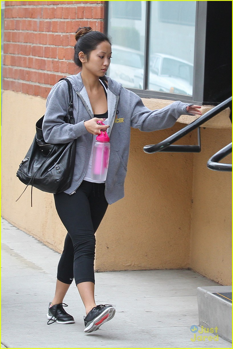 brenda song gym thursday 01