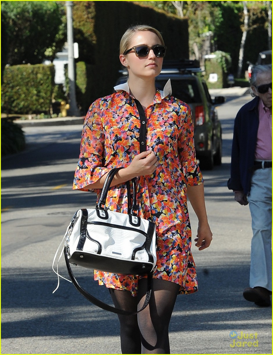 dianna agron vote sticker 01